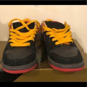 """Nike SB Shoes - Nike Dunk SB Premium """"Appetite for Destruction"""" 9"""